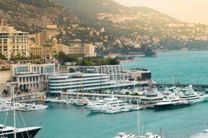 Vue sur le port de Monte-Carlo.