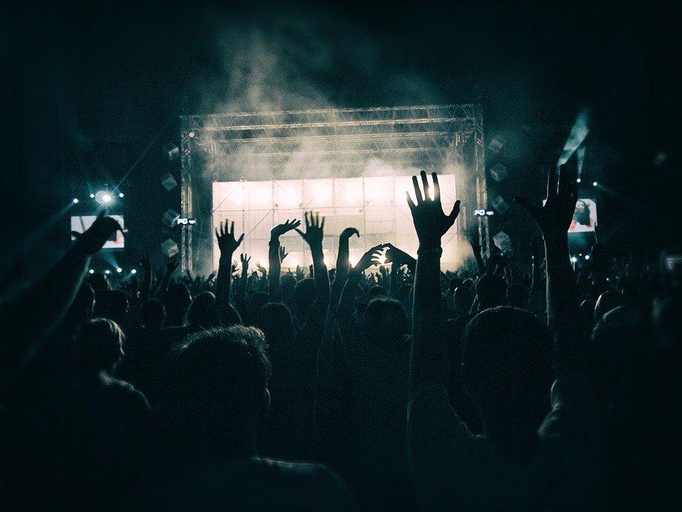 Le 21 juin pour la fête de la musique.
