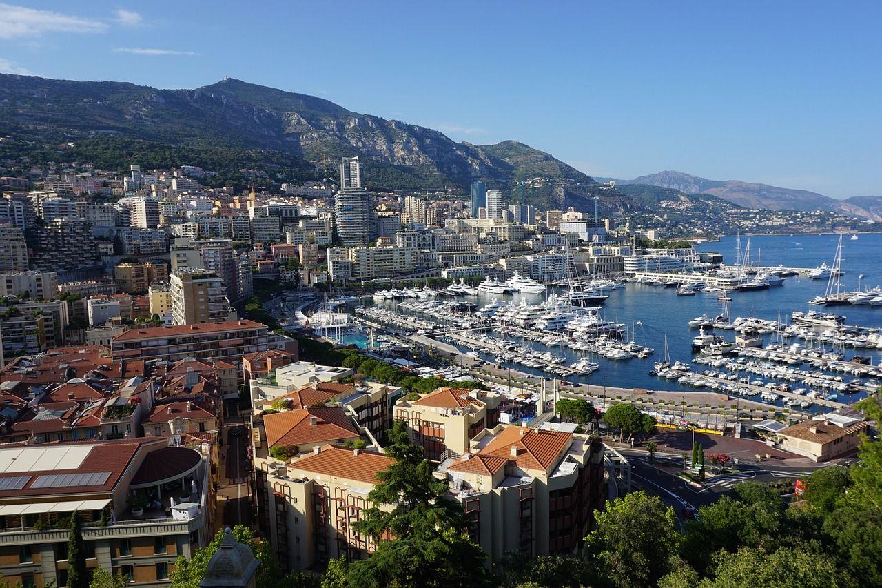 La baie de Monaco d'une vue aérienne.