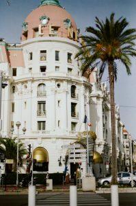 Vue du Negresco à Nice.